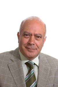 il dottor Gabriele Rampino, titolare della Farmacia San Lorenzo, a Francavilla