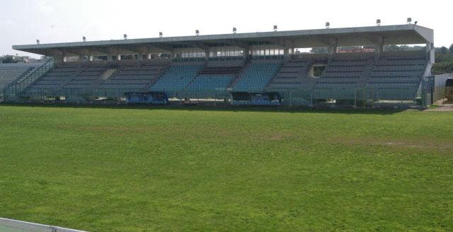 Lo stadio comunale fanuzzi di brindisi for Magri arreda francavilla fontana