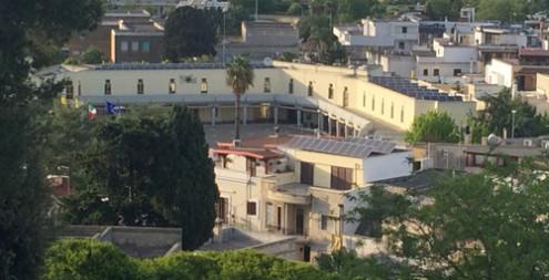 Il municipio di Oria visto da Parco Montalbano