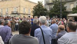 protesta tari piazza umberto I comitato 4