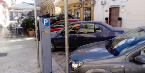 parcheggi a pagamento strisce blu parcometro parchimetro ausiliari del traffico 4