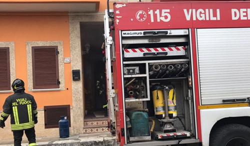 vigili del fuoco incendio casa 3