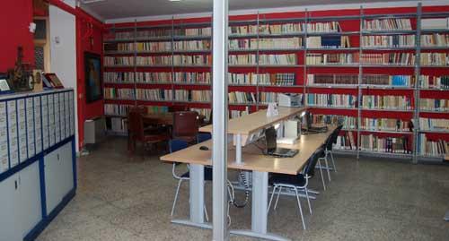 """L'attuale collocazione della biblioteca comunale """"De pace - Lombardi"""""""