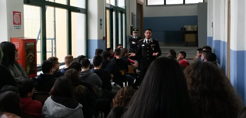 Ceglie M.ca - Carabinieri incontrano studenti