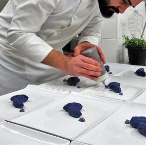 Guarnire, dolce guarnire: chef Riezzo all'opera
